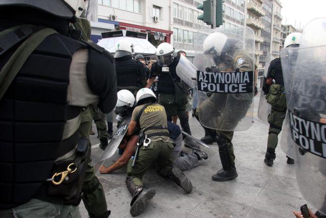 Προανάκριση για την επίθεση αστυνομικών κατά δημοσιογράφων στο Σύνταγμα   tanea.gr