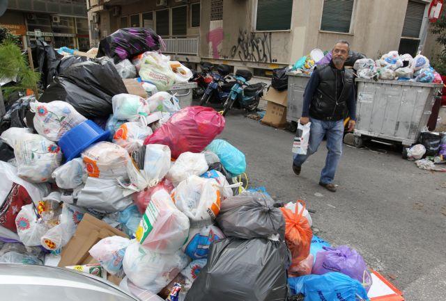 «Κόλπο γκρόσο» με τα σκουπίδια   tanea.gr