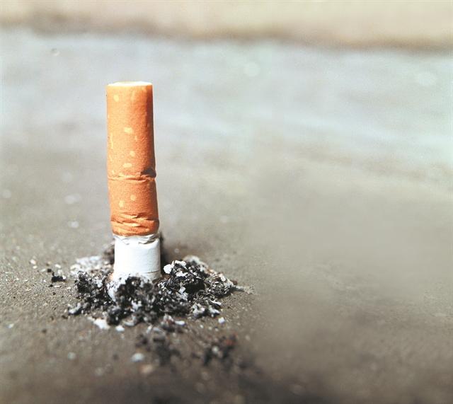 Η Ελλάδα σβήνει το τσιγάρο | tanea.gr