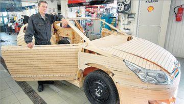 Έφτιαξε Citroen C4 με 350.000 σπίρτα!   tanea.gr