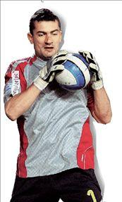 Φοράει τα γάντια ο Καρατζιοβαλής | tanea.gr