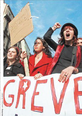 Φουντώνει το μέτωπο με τους φοιτητές   tanea.gr