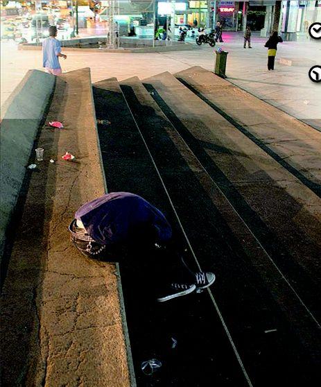 «Εδώ δεν είναι Ελλάδα. Εδώ είναι Οµόνοια» | tanea.gr