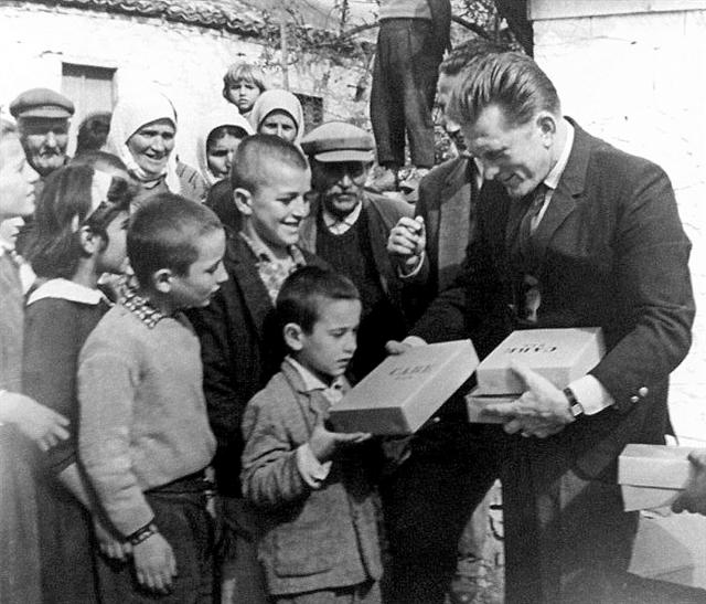 Ιστορικά στερεότυπα και άβολες συγκλίσεις | tanea.gr