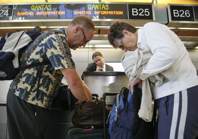 Εγκλωβισμένοι 70.000 επιβάτες  της αεροπορικής εταιρείας Qantas | tanea.gr