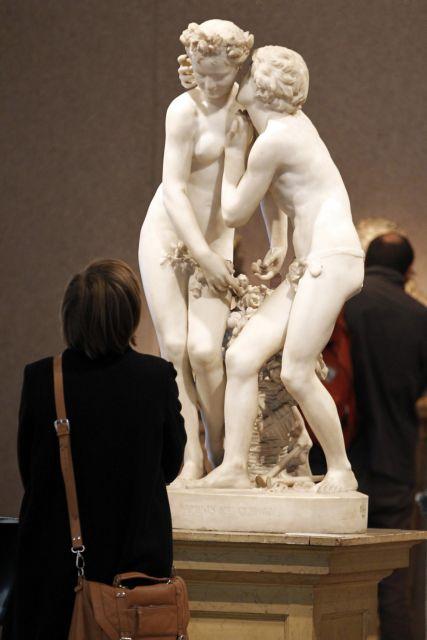 Αιώνιος έρωτας στο σφυρί | tanea.gr