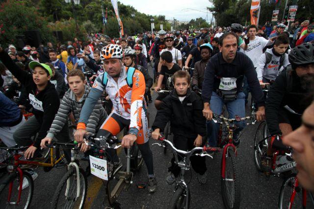 Εδωσαν χώρο στο ποδήλατο  και ζωή στην πόλη της Αθήνας | tanea.gr