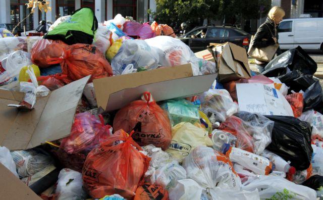 Δύο εβδομάδες για να καθαριστούν 120.000 τόνοι σκουπιδιών στην Αττική | tanea.gr