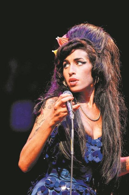 Η διαχρονική γοητεία της Amy Winehouse | tanea.gr