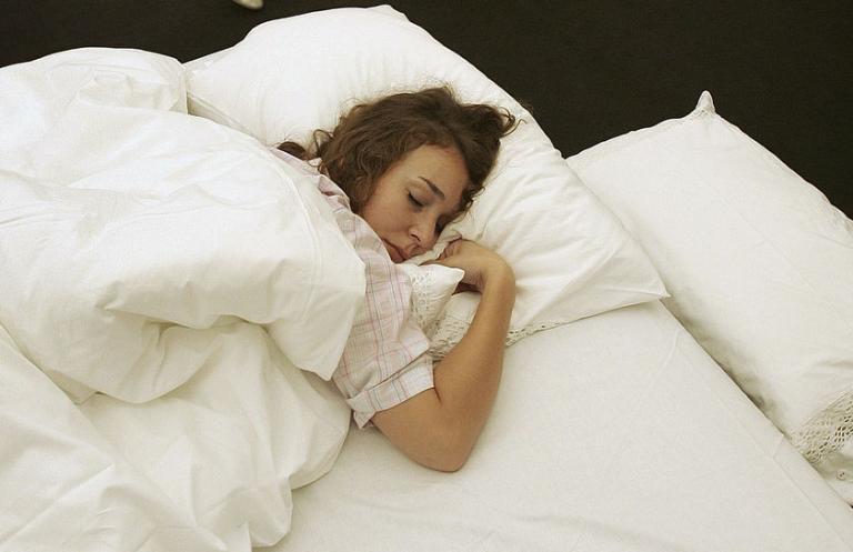 Πιο αδύνατα παιδιά και έφηβοι που κοιμούνται νωρίς   tanea.gr