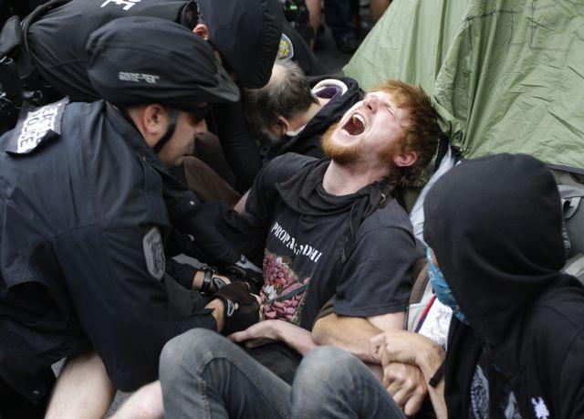 Δεκάδες συλλήψεις «Αγανακτισμένων» στην Νέα Υόρκη | tanea.gr