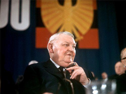 Ο Ερχαρντ έδινε 100 δισ. μάρκα στους Σοβιετικούς για την Ανατολική Γερμανία! | tanea.gr