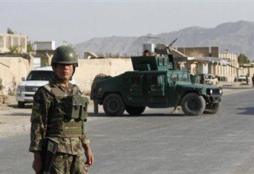 Αιματηρή επίθεση αυτοκτονίας κατά αυτοκινητοπομπής του ΝΑΤΟ στο Αφγανιστάν | tanea.gr