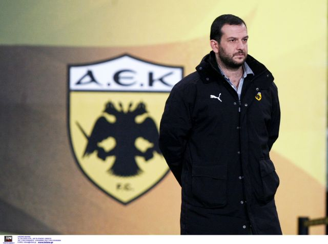 Ο Αδαμίδης ζήτησε υπομονή από τους παίκτες της ΑΕΚ   tanea.gr