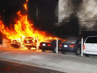 Λος Άντζελες: Συνελήφθη ύποπτος για εμπρησμό 55 αυτοκινήτων | tanea.gr