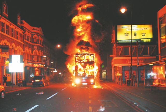 Κύμα οργής στο Λονδίνο   8 Αυγούστου | tanea.gr