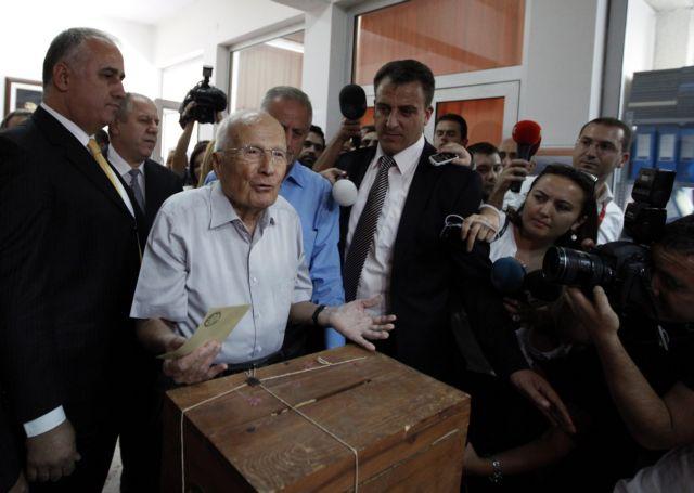 Ο 94χρονος Εβρέν απειλείται με ισόβια για το πραξικόπημα του... 1980!   tanea.gr