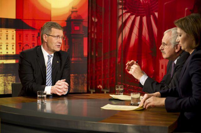 Με μια συγγνώμη παραμένει Πρόεδρος της Γερμανίας | tanea.gr