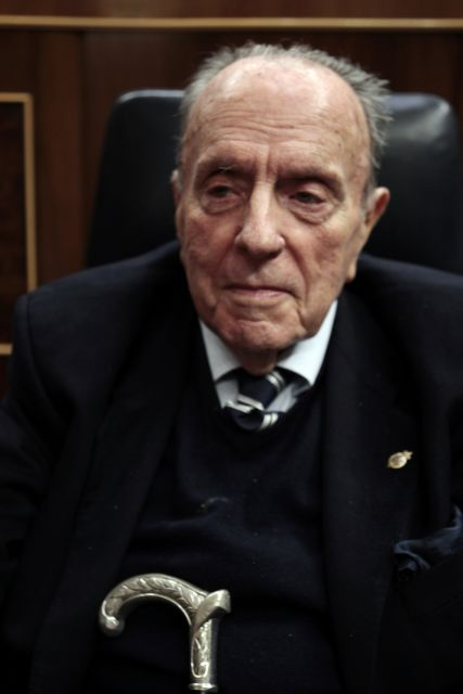Απεβίωσε ο πατριάρχης της Δεξιάς   tanea.gr
