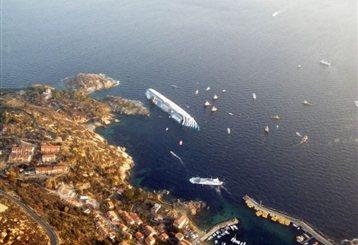Υποβρύχιες έρευνες για δεκάδες αγνοούμενους του ναυαγίου στην Τοσκάνη | tanea.gr