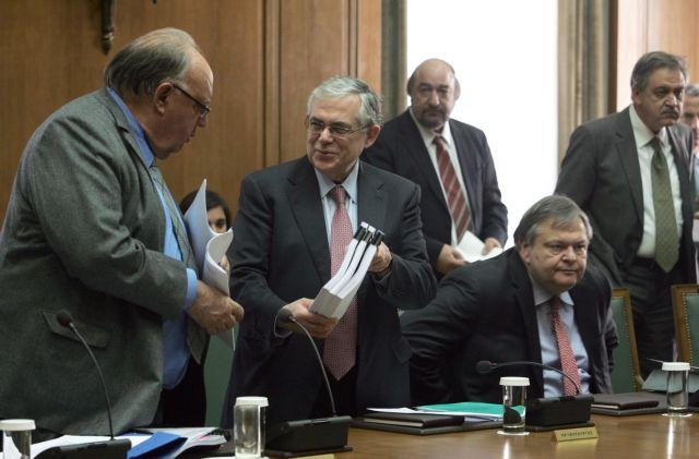 Παράταση του βίου της κυβέρνησης Παπαδήμου ζητούν 7 υφυπουργοί | tanea.gr