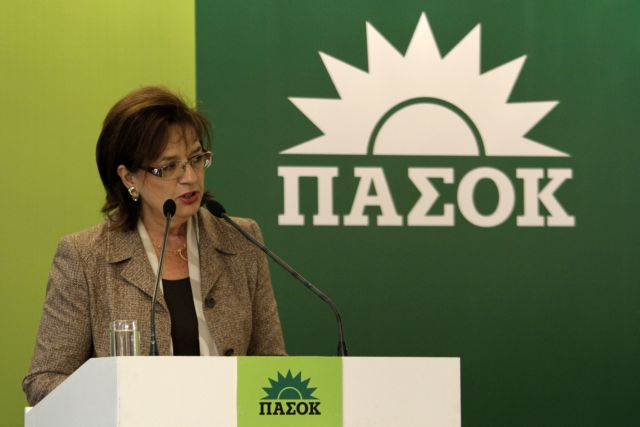 Σκληρή κριτική στον πρόεδρο του ΠΑΣΟΚ από τη Βάσω Παπανδρέου | tanea.gr
