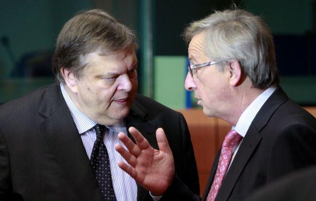 Γιούνκερ: «Μας συμφέρει να μην χρεοκοπήσει η Ελλάδα» | tanea.gr