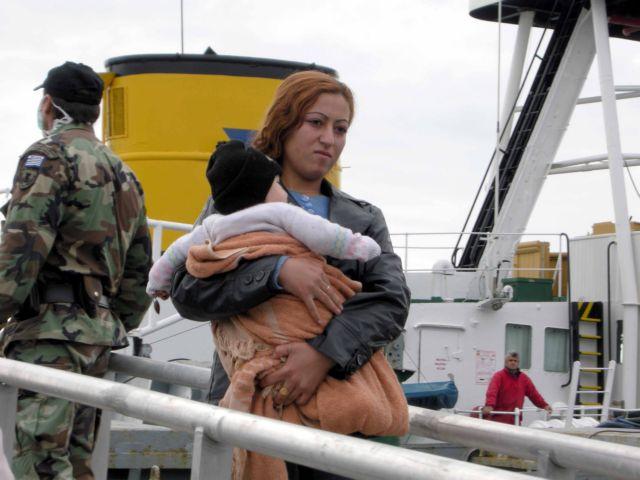 Στο Κατάκολο οδηγήθηκε το πλοιάριο με τους 100 λαθρομετανάστες | tanea.gr