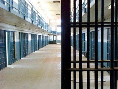 «Έκλεισαν» οι φυλακές Κορυδαλλού και Χαλκίδας λόγω... υπερπληθυσμού | tanea.gr
