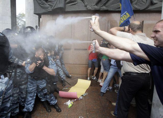 Αντιρωσική επανάσταση στην Ουκρανία   tanea.gr