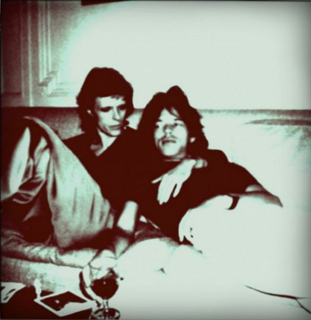 Στο κρεβάτι με 4.000 γυναίκες και τον Μπάουι   tanea.gr
