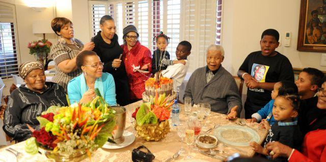 Ενα τραγούδι από τα παιδιά για  τα γενέθλια του Νέλσον Μαντέλα | tanea.gr
