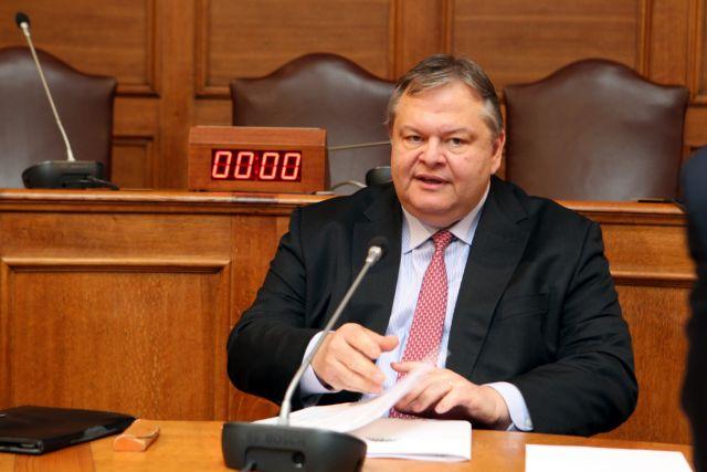 Ο Γιάννης Μανιάτης εξελέγη γραμματέας της ΚΟ του ΠΑΣΟΚ | tanea.gr