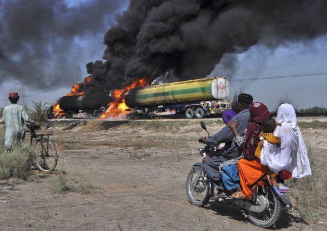 Νιγηρία: Τουλάχιστον 100 νεκροί από ανατροπή βυτιοφόρου   tanea.gr