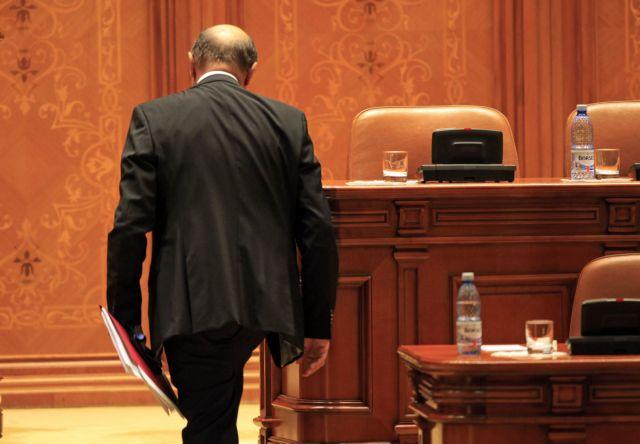 Ρουμανία: Ψήφισαν την αποπομπή του Προέδρου   tanea.gr