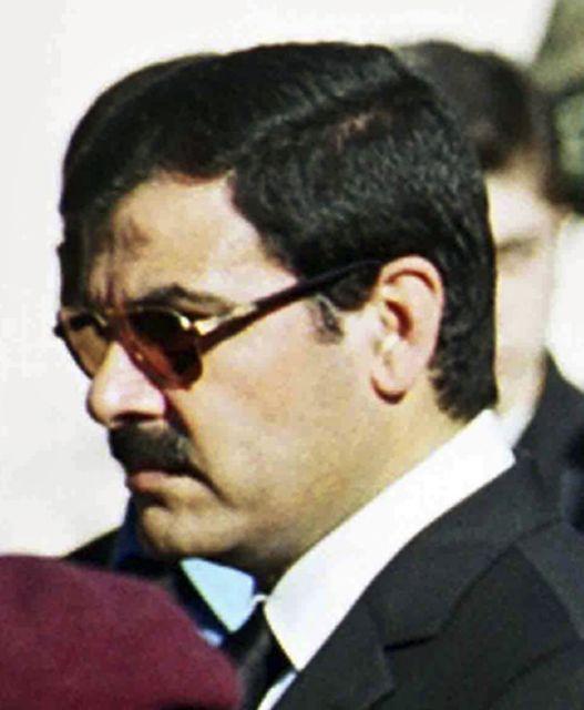 Ασέφ Σαουκάτ   tanea.gr