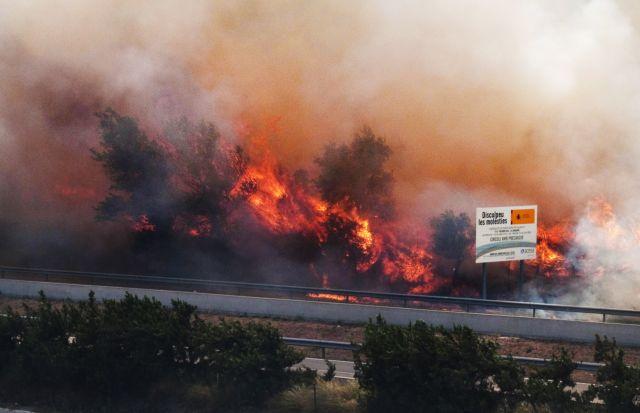 Ισπανία: Τέσσερις νεκροί και 100 τραυματίες από μεγάλη πυρκαγιά | tanea.gr