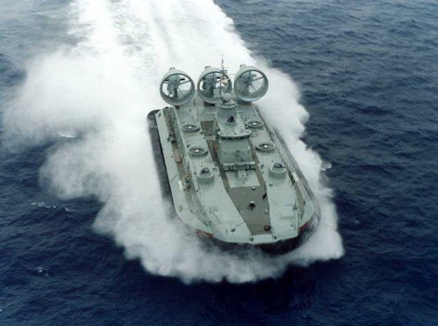Υλικές ζημιές σε πλοίο του Πολεμικού Ναυτικού από πυρκαγιά   tanea.gr