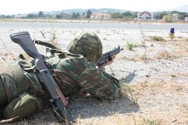 Παναγιωτόπουλος: «Η στρατιωτική θητεία στην Ελλάδα είναι και θα παραμείνει υποχρεωτική» | tanea.gr