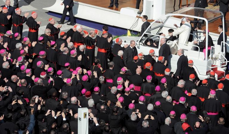 «Κάποιες φορές φαινόταν σαν ο Κύριος να κοιμόταν», είπε ο Πάπας στο αποχαιρετιστήριο κήρυγμά του | tanea.gr