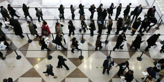 Στοιχεία σοκ από την ΕΛΣΤΑΤ: Υφεση 6% και ανεργία 27% | tanea.gr