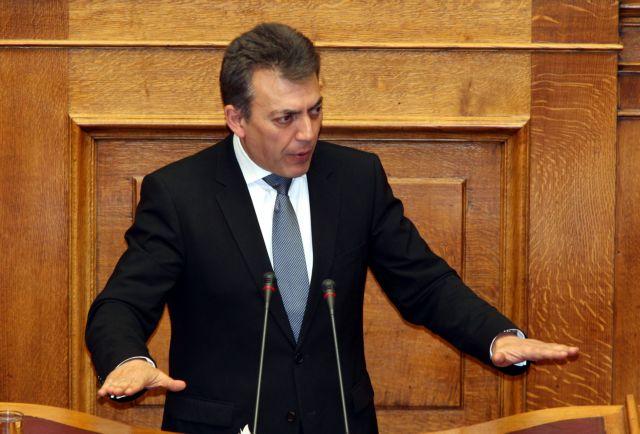 Αντιδράσεις ΠΑΣΟΚ και ΔΗΜΑΡ για το αίτημα του Βρούτση να παραιτηθεί ο διοικητής του ΟΑΕΔ | tanea.gr