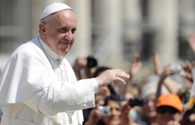 Να κόψει τα μπόνους του προσωπικού του Βατικανού, σκέφτεται ο πάπας Φραγκίσκος | tanea.gr