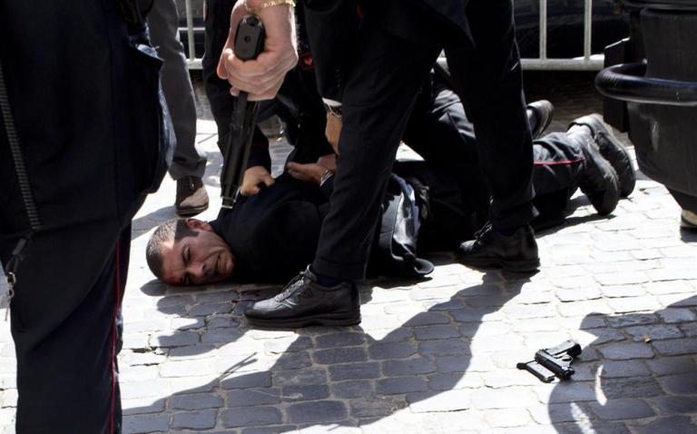 «Ηθελα να σκοτώσω πολιτικούς», ομολόγησε ο 49χρονος από την Καλαβρία | tanea.gr