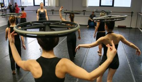 Το όνειρο του χορού δεν χρειάζεται πατερίτσες | tanea.gr
