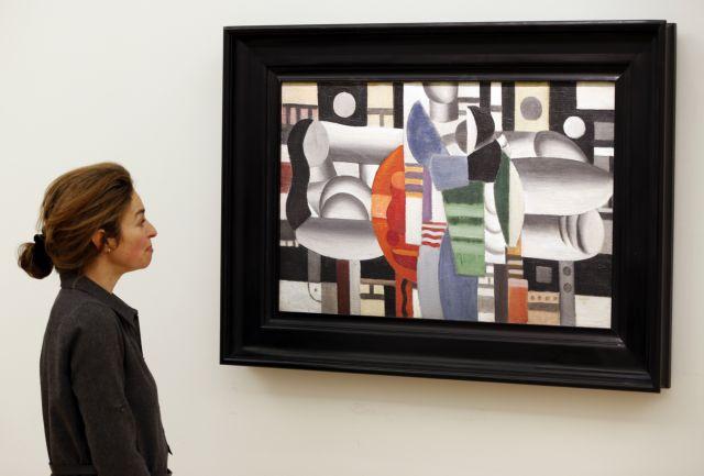 Η Μαντόνα και η Μπετ Μίντλερ ξεκρεμούν πίνακες από τον τοίχο τους για καλό σκοπό | tanea.gr