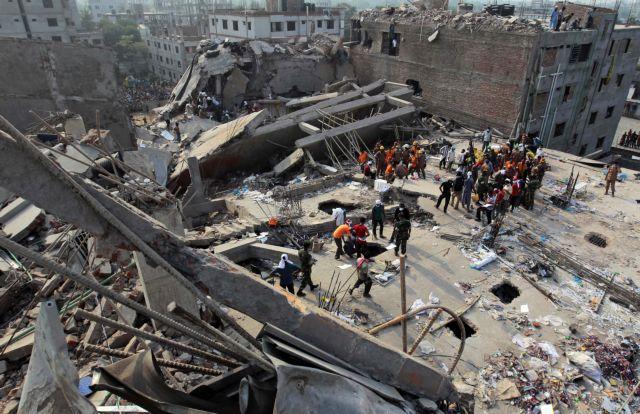 Τέσσερις συλλήψεις στο Μπαγκλαντές για την κατάρρευση κτιρίου που κόστισε τη ζωή 341 ανθρώπων   tanea.gr