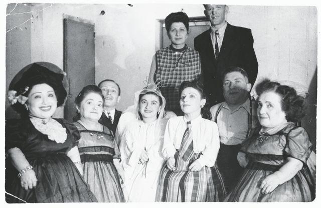Οι νάνοι που έσωσε ο «διάβολος» από το Αουσβιτς | tanea.gr