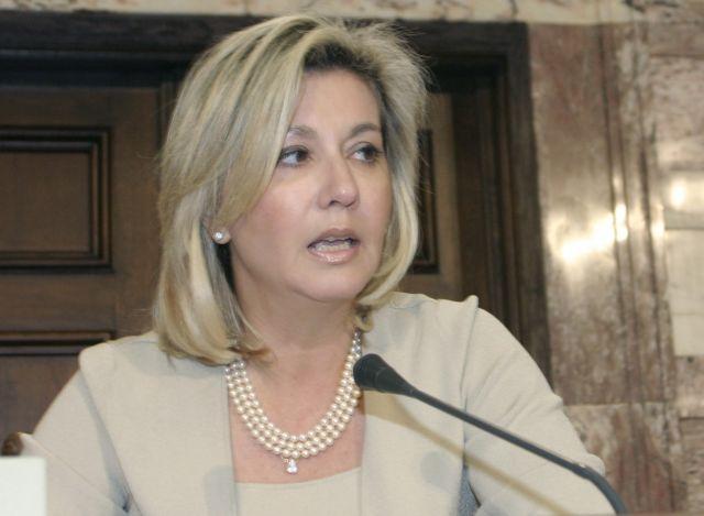 Ορκίστηκε και ανέλαβε καθήκοντα βουλευτή Μαγνησίας η Ζέττα Μακρή | tanea.gr