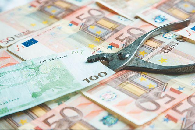 Μειώθηκε κατά 8,3% το εισόδημα των Ελλήνων, σύμφωνα με την ΕΛΣΤΑΤ | tanea.gr